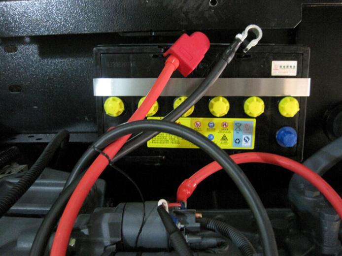 柴油发电机组启动蓄电池.png